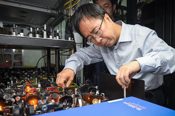 我国首次观测到超低温下原子分子间的碰撞共振
