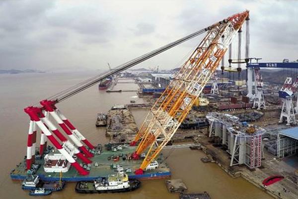 我国自主研发的第三代LHD海洋潮流能模块化发电机组,在浙江舟山顺利下海