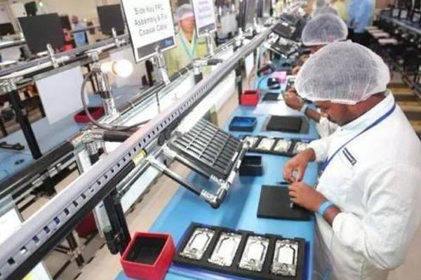印度一家公司研发出一种新型电池,可以在15分钟内为电动汽车(EV)充满电