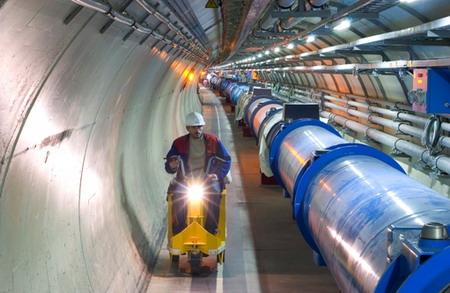 人类历史上最大的粒子对撞机——大型强子对撞机(LHC)